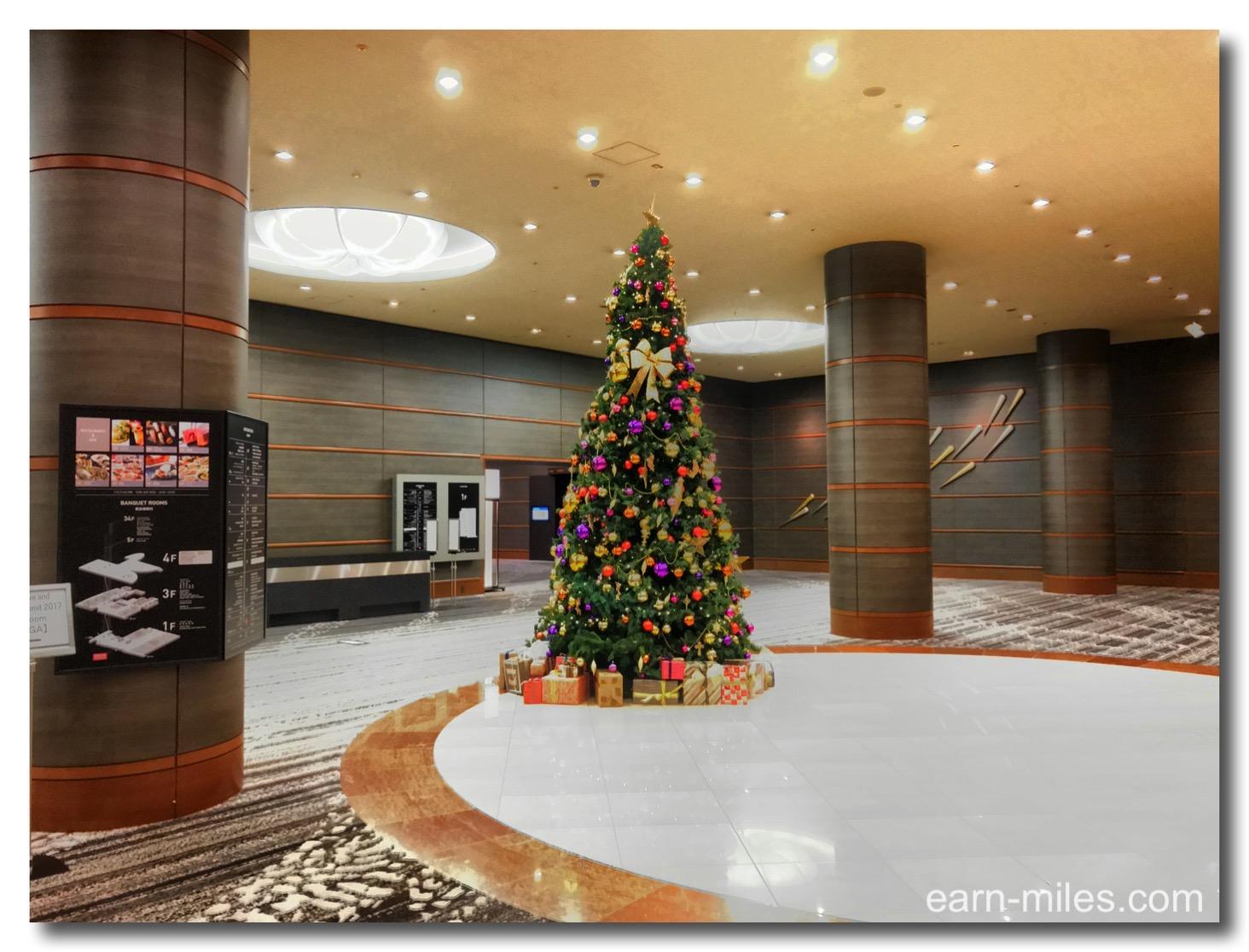 201711ヒルトン福岡1階クリスマスツリー